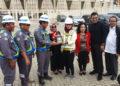 Foto bersama PT PP dan Komisi X DPR RI di stadion PON 2020/ BP